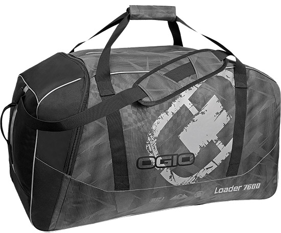 Large main compartment with easy access opening to all gearMulti-use large end pocket for apparel an