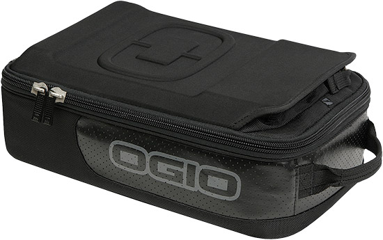 Deluxe goggle storage - fits up to 5 pairFleece lined interior dividersLens pocketEVA f